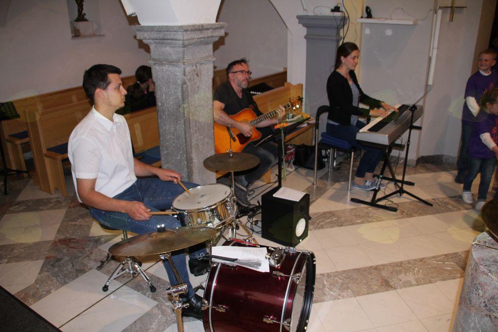 Mladi pevci Litijske dekanije