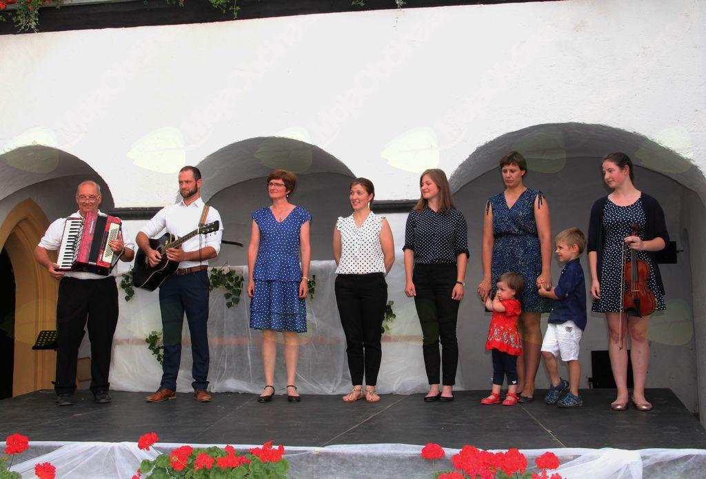 Družina Jelnikar, Kresnice