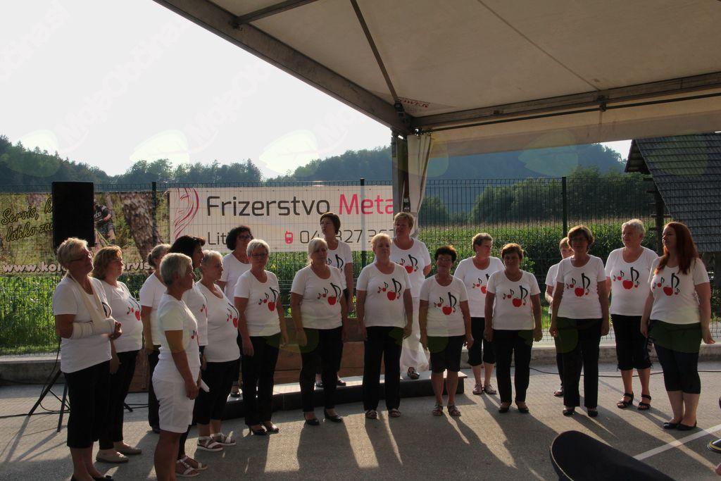 Ženski pevski zbor Laz