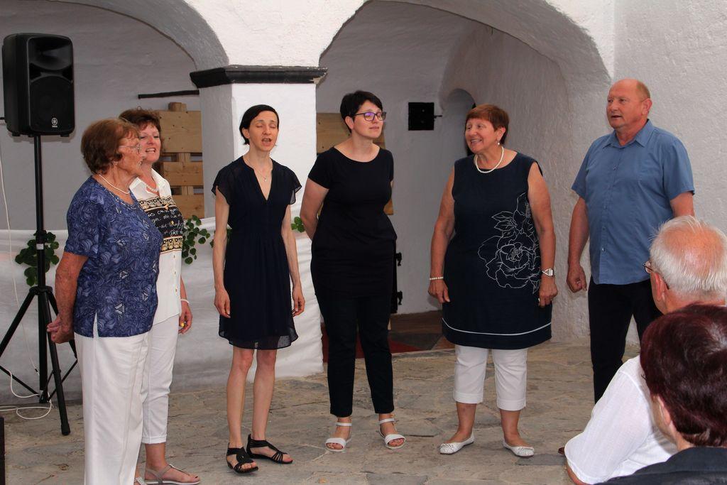 Družina Bele, Zibika