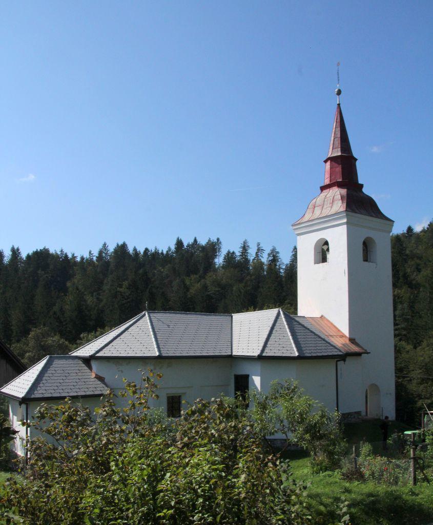 Cerkvica v Brezju