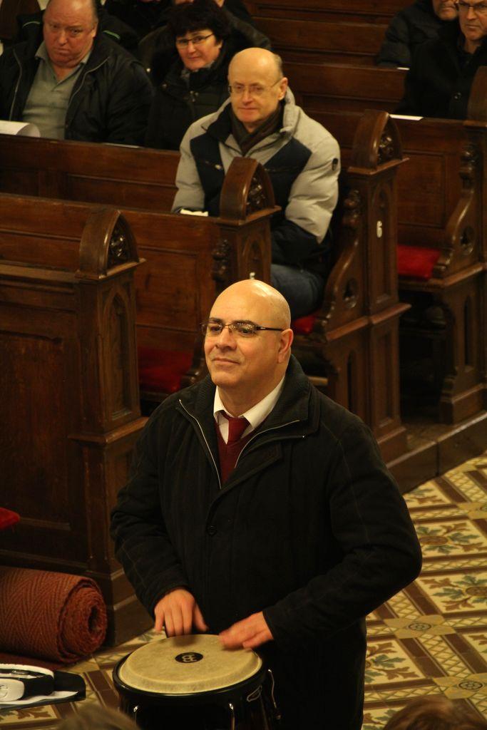 Zborovodja g. Fernando Mejias