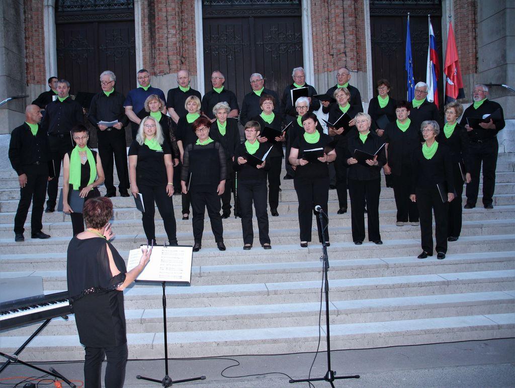 V kulturnem programu so sodelovali člani Pevskega Društva Zvon