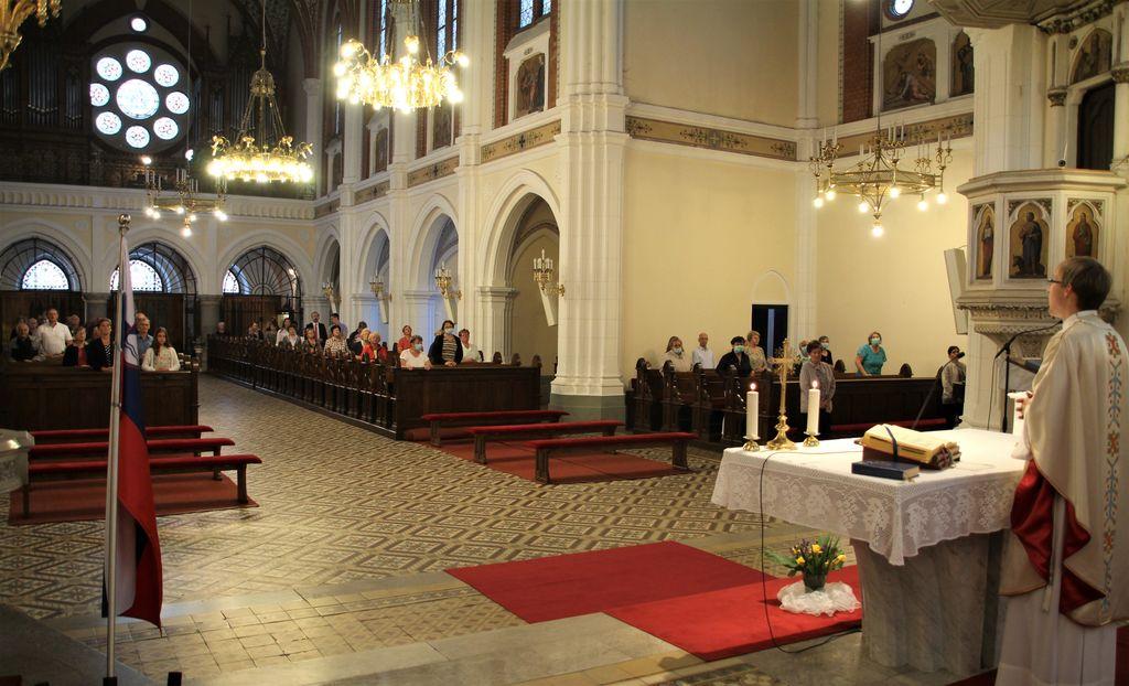 Pred prireditvijo je bila v cerkvi tudi maša za domovino, ki jo je vodil domači župnik g. Marko Mohor Stegnar