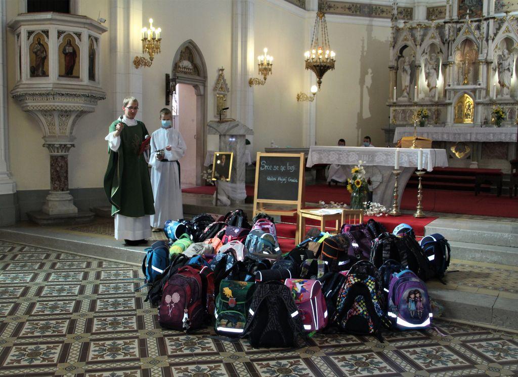 Blagoslov šolskih torb