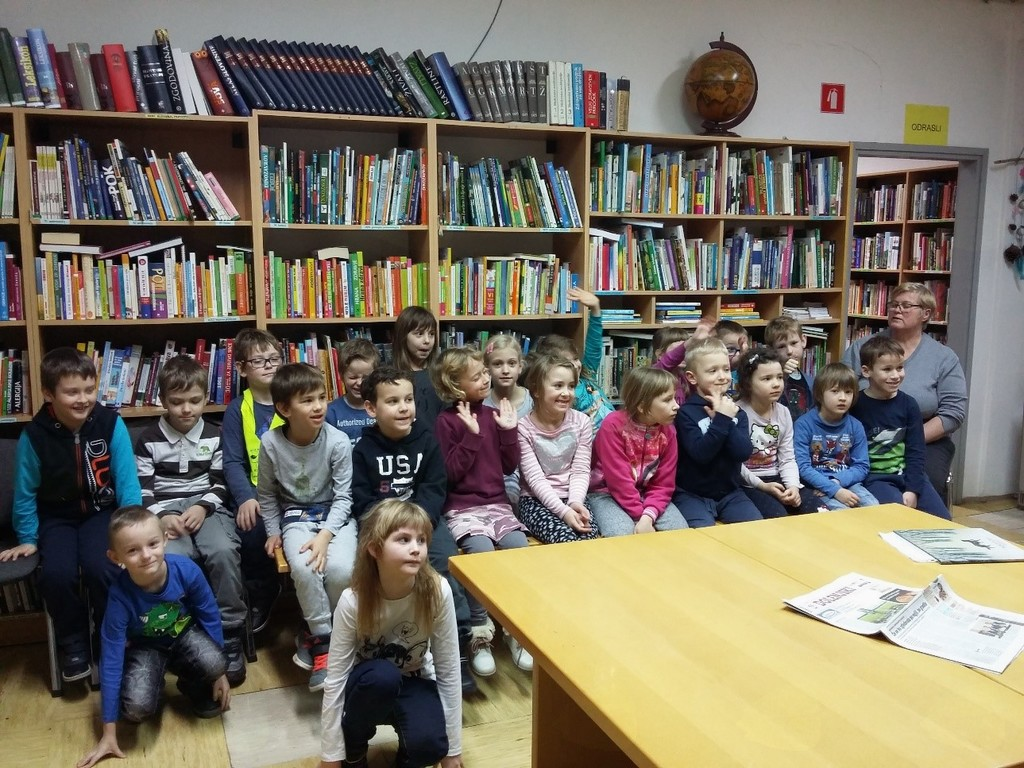 V Krajevni knjižnici Dolenjske Toplice.