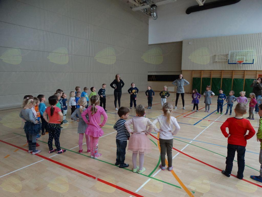 Plesne delavnice v vrtcu Cirkovce