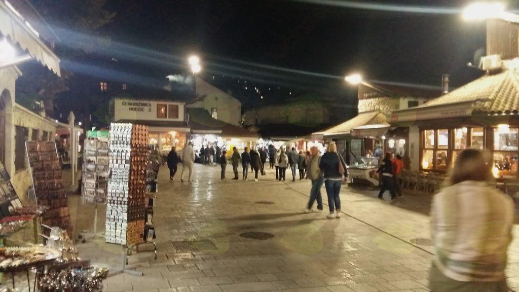 Večerni sprehod po Baščaršiji