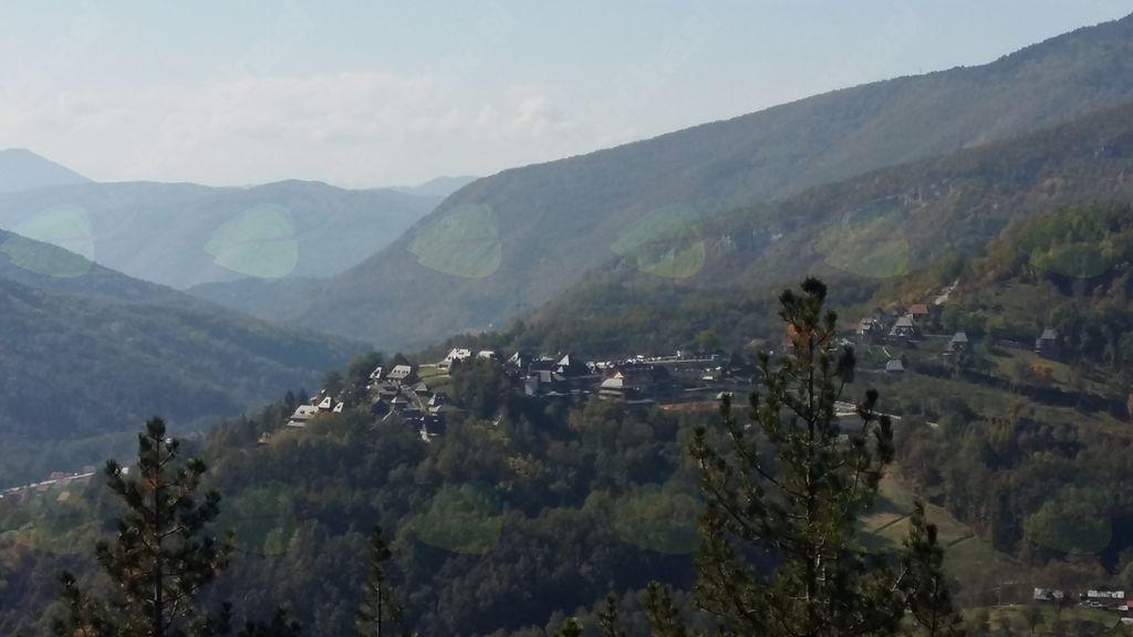 Pogled na Drvengrad