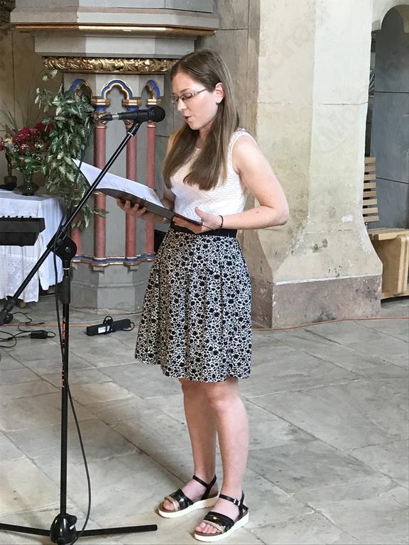 Voditeljica Anja Regošek