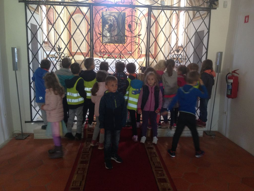 Otroci iz vrtca na obisku