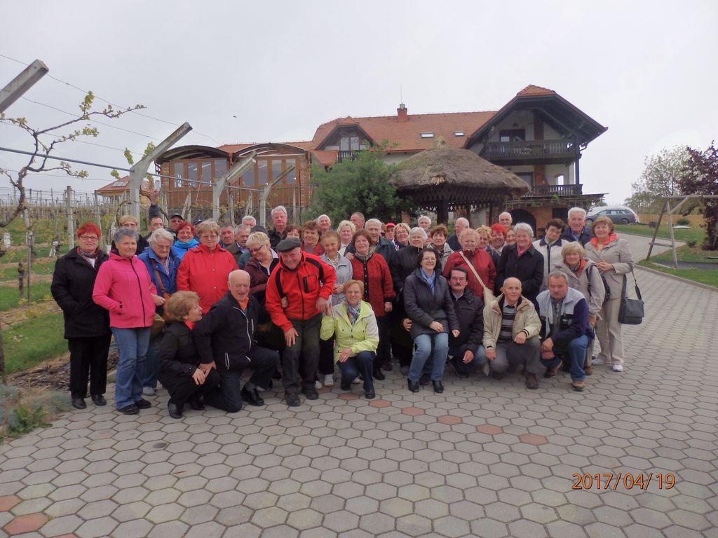 Upokojenci na izletu v Prekmurju