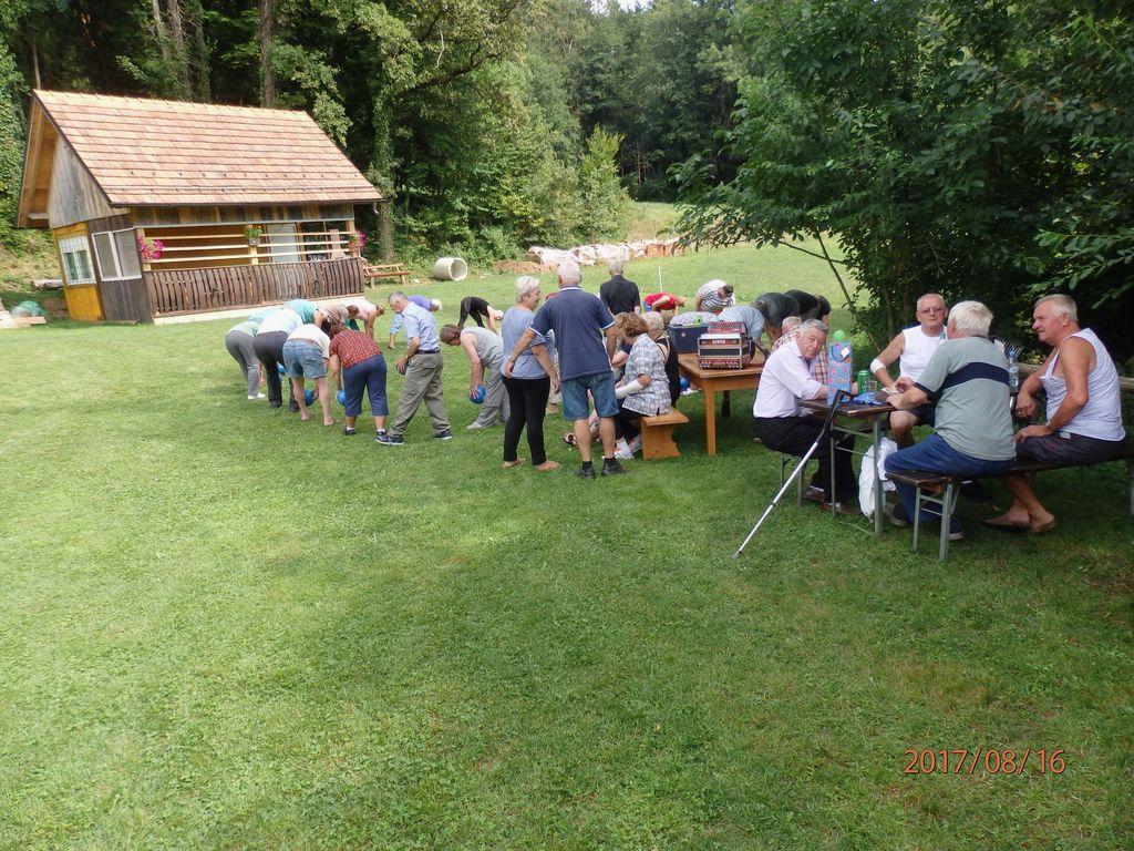 Upokojenci na pikniku