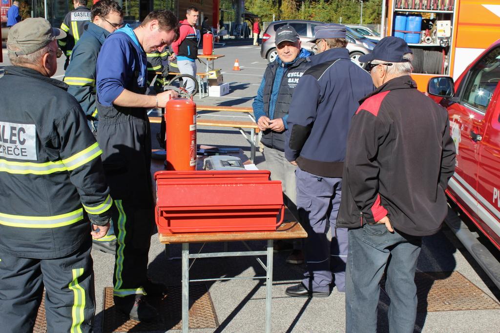 Zreški gasilci predstavili svoja vozila in tehnično opremo