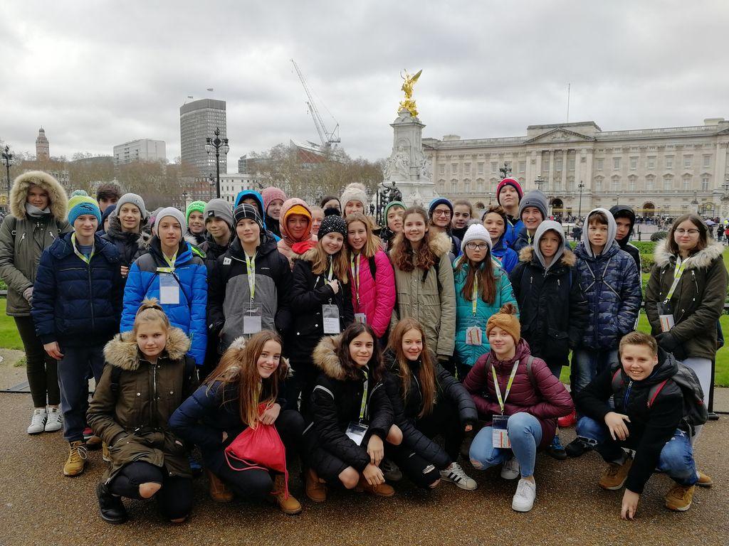 Osmošolci v Londonu