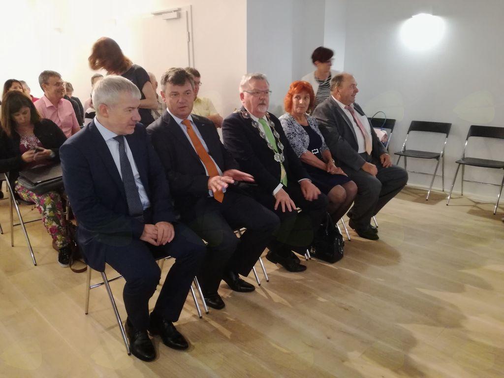 Konferenčna dvorana Blejskega gradu med predstavitvijo projekta.