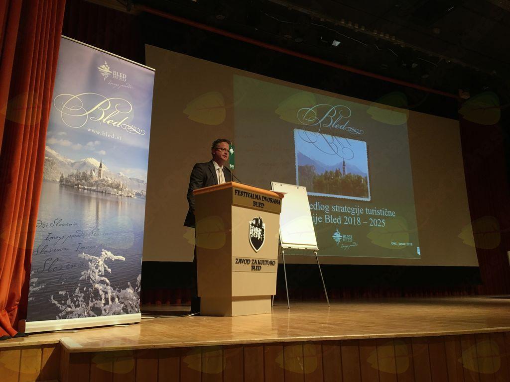 Nov elektronski naslov za pripombe na strategijo razvoja blejskega turizma