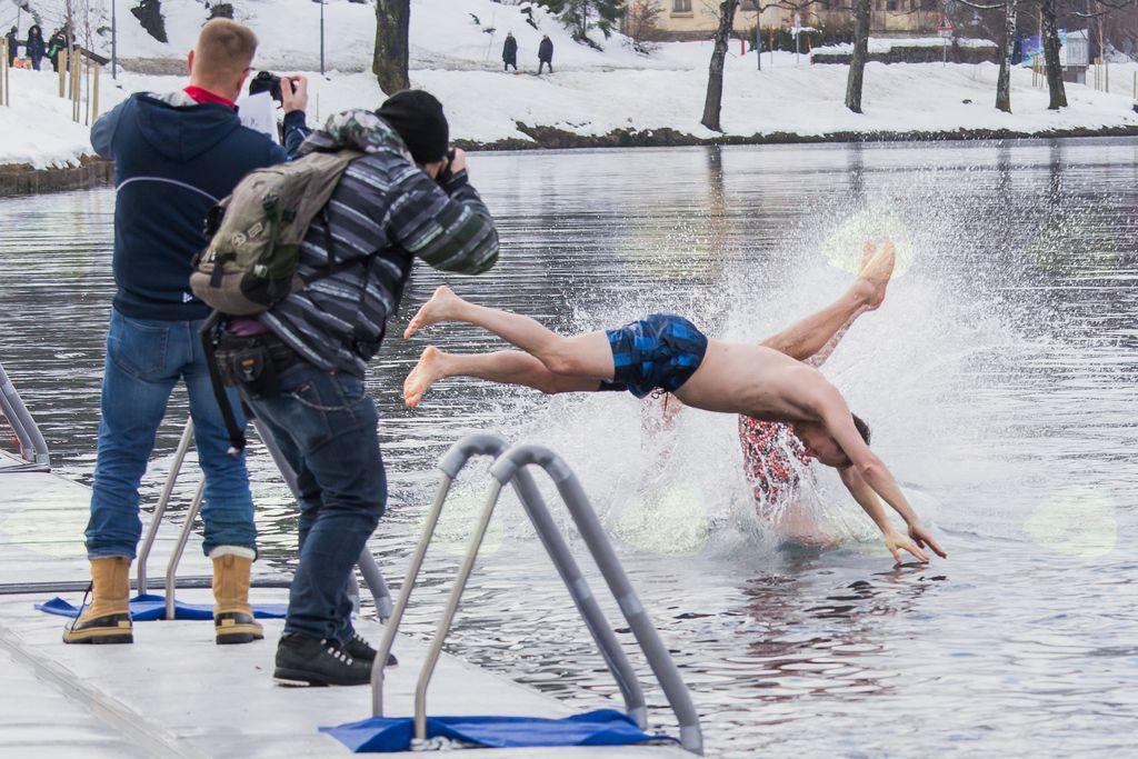 Zimsko plavanje na Bledu