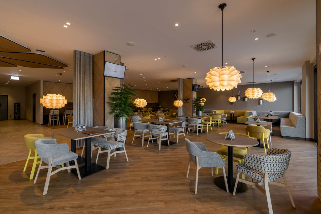 Prenovljena Kavarna Park na Bledu