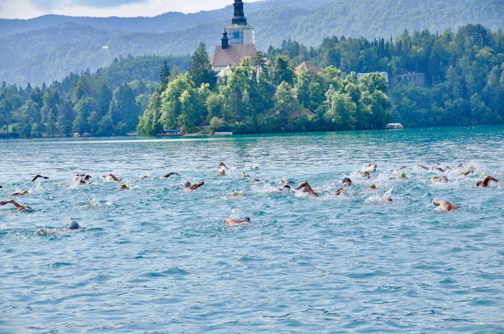 Blejski plavalni izziv