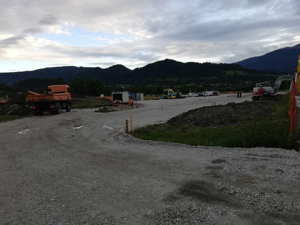 Parkirišče pri Športnem parku Bledec