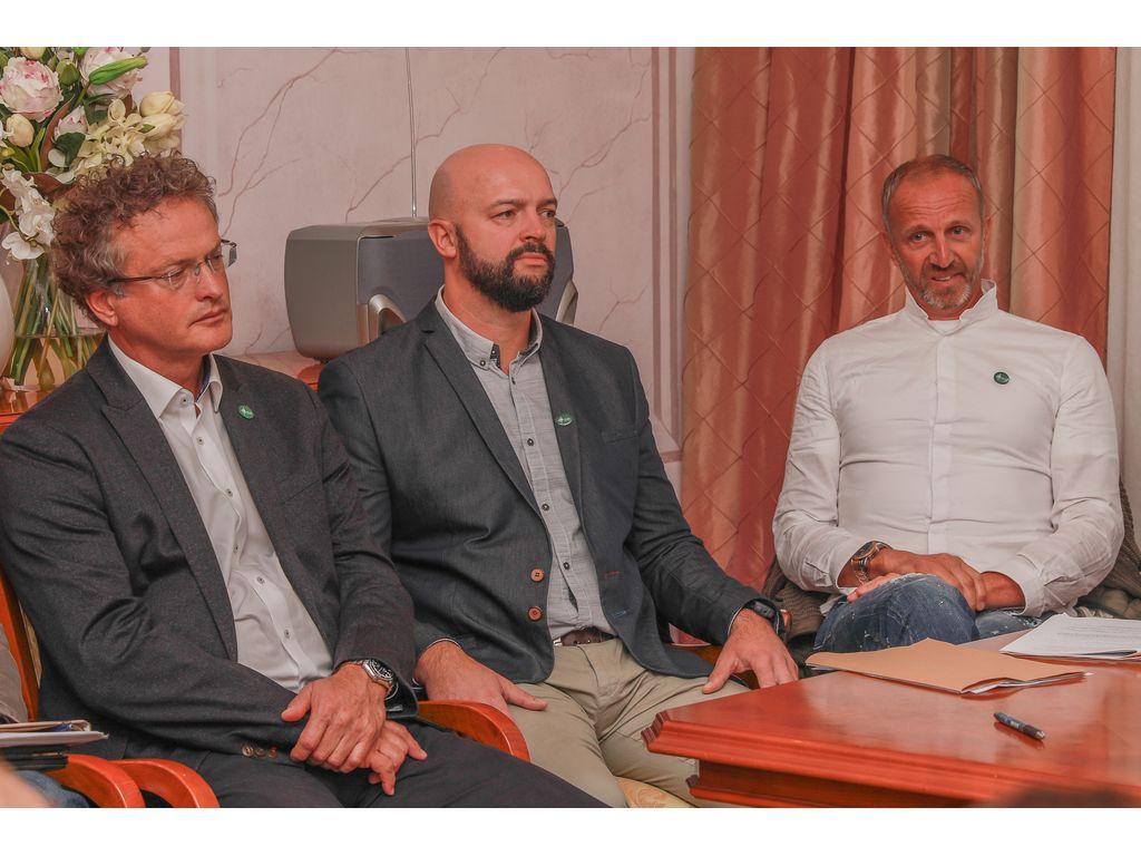 Direktor Turizma Bled Tomaž Rogelj, svetnik Gregor Jarkovič in Jani Klemenčič, foto: Miro Zalokar