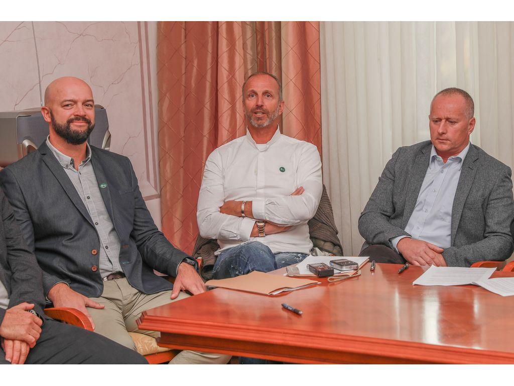 Svetnik Gregor Jarkovič, Jani Klemenčič in direktor Občinske uprave Občine Bled, Robert Klinar, foto: Miro Zalokar