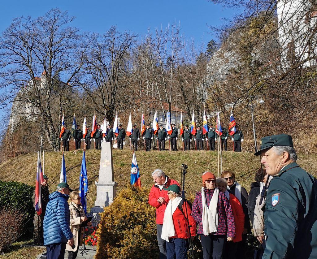 Slovesnost pri Prešernovem spomeniku.