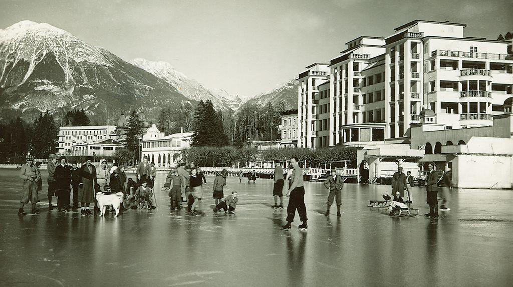 Na ledu pred Grand Hotelom Toplice, foto arhiv CUT Bled