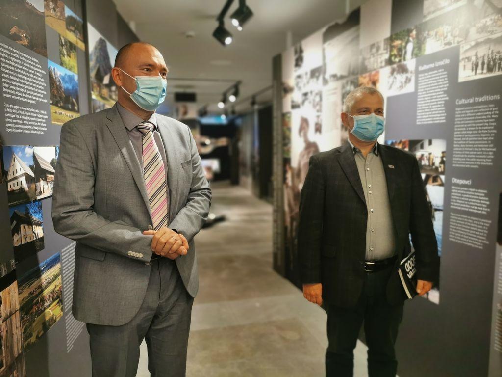 Levo minister dr. Podgoršek, desno direktor TNP mag. Rakar.