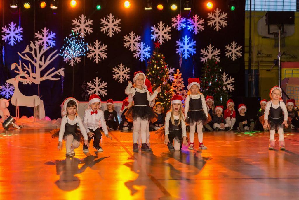 Plesna ADC božična produkcija