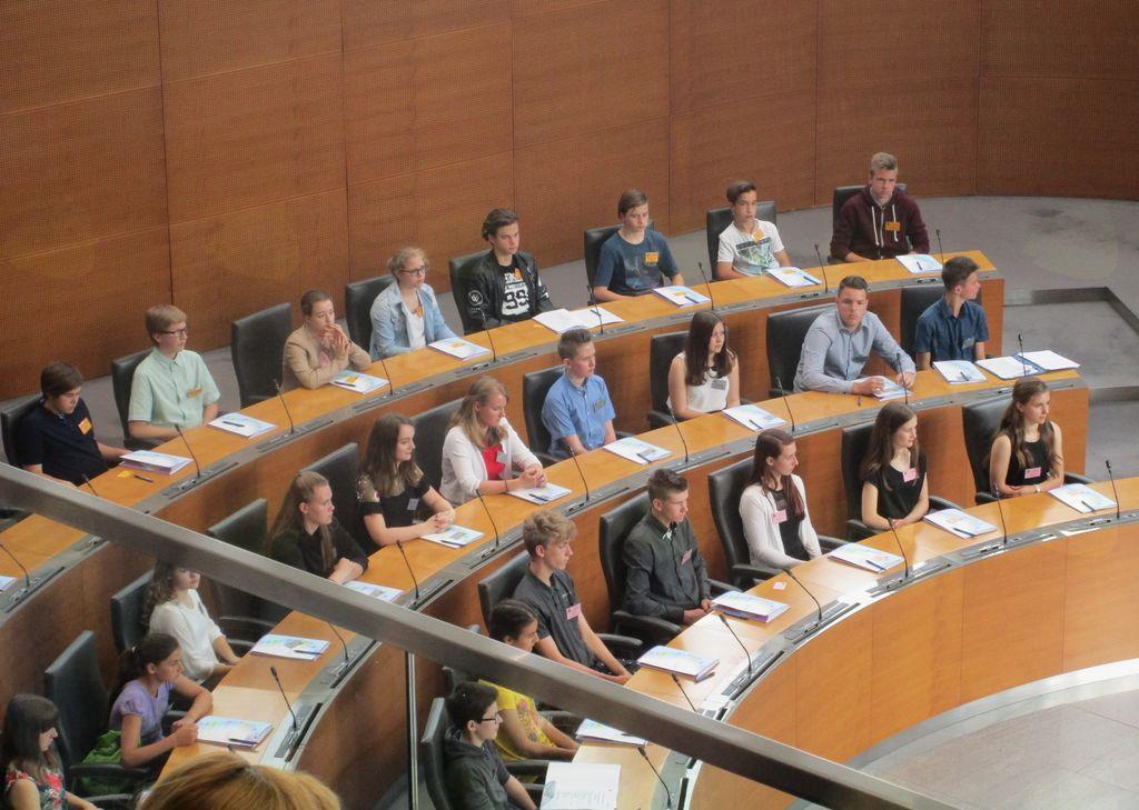 Mladi parlamentarci severne Primorske v Državnem zboru