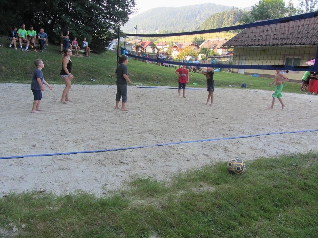 28. MIX turnir v odbojki v Strojnski Reki
