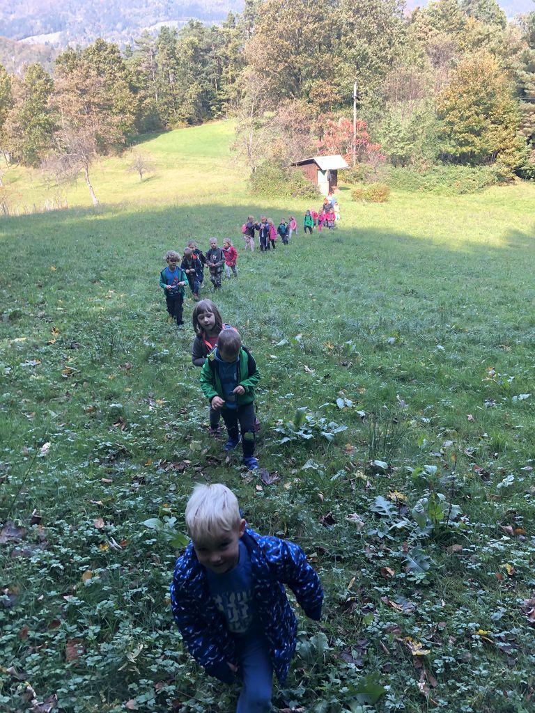 Mladi planinci Vrtca Vransko na prvem pohodu