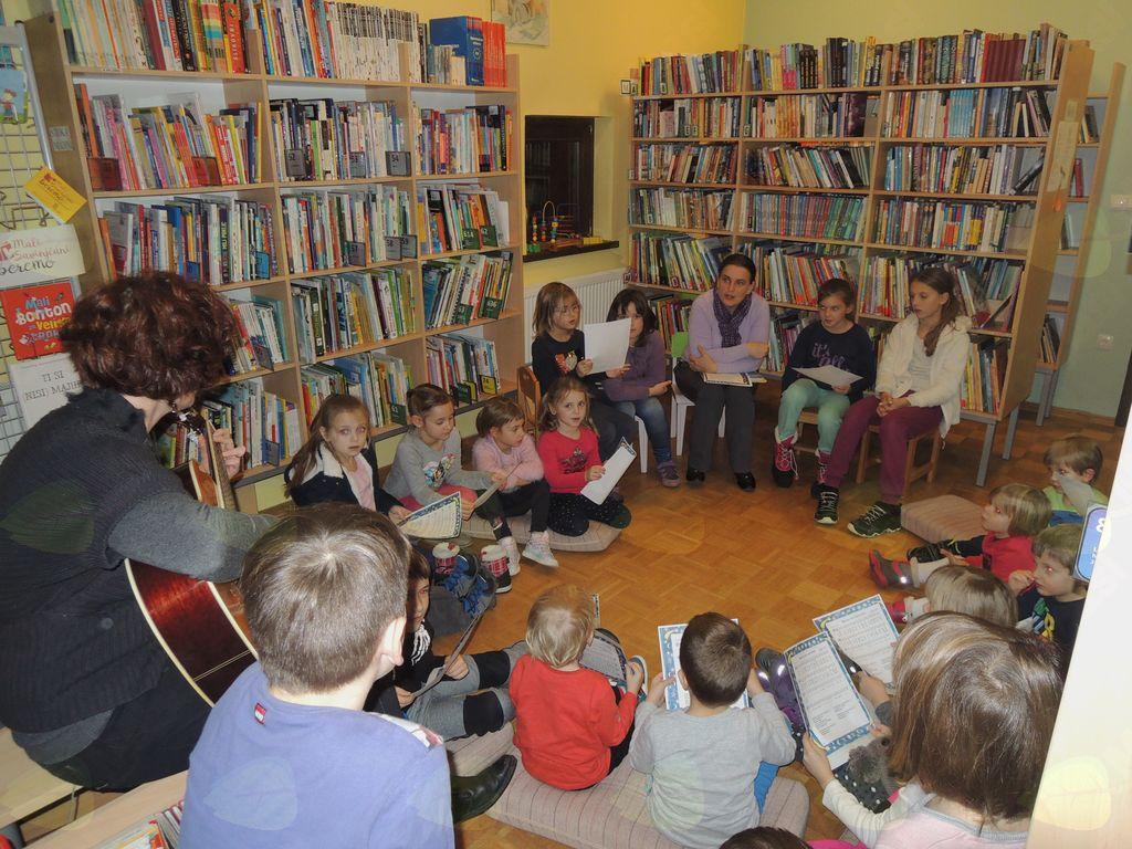 Praznični december v Občinski knjižnici Vransko
