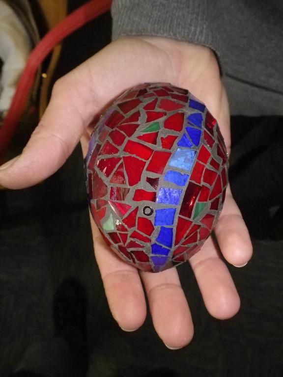 USTVARJALNA DELAVNICAVelikonočno jajce v steklenem mozaiku
