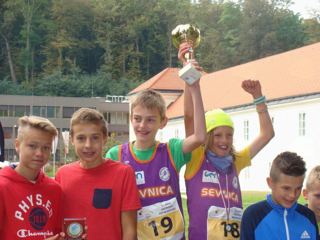 Tomi Bajc in Tjaš Pelko prva v kategoriji mlajših pionirjev A