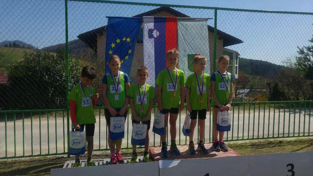 Blanški atleti - zmagali med mešanimi štafetami