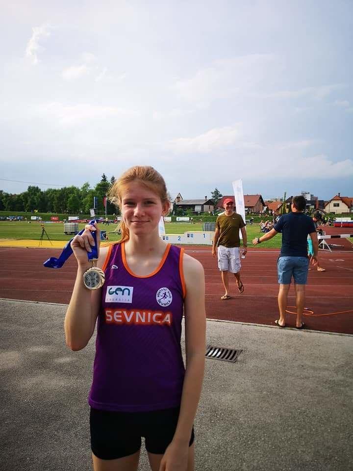 Nika Dobovšek, državna prvakinja v teku na 1500m