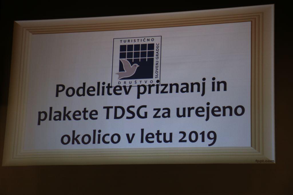 PODELITEV PRIZNANJ IN PLAKETE TDSG za urejeno okolico v letu 2019
