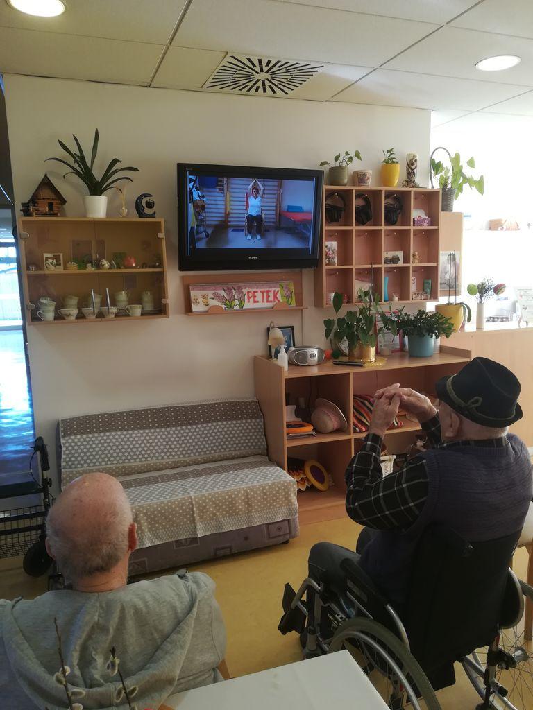 INTERNA TV PONUJA MNOGE PREVILEGIJE