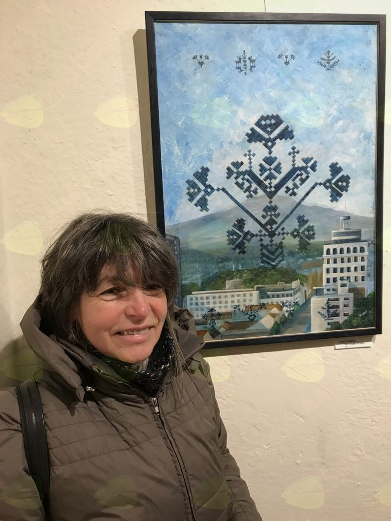 Irena Gorenc ob svoji sliki