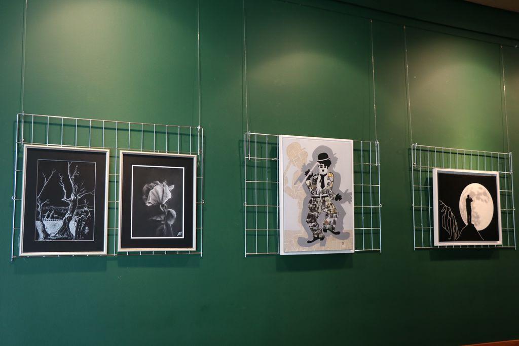 """V Kulturnem domu Mengeš je """"Svetlo temno"""" – likovna razstava"""