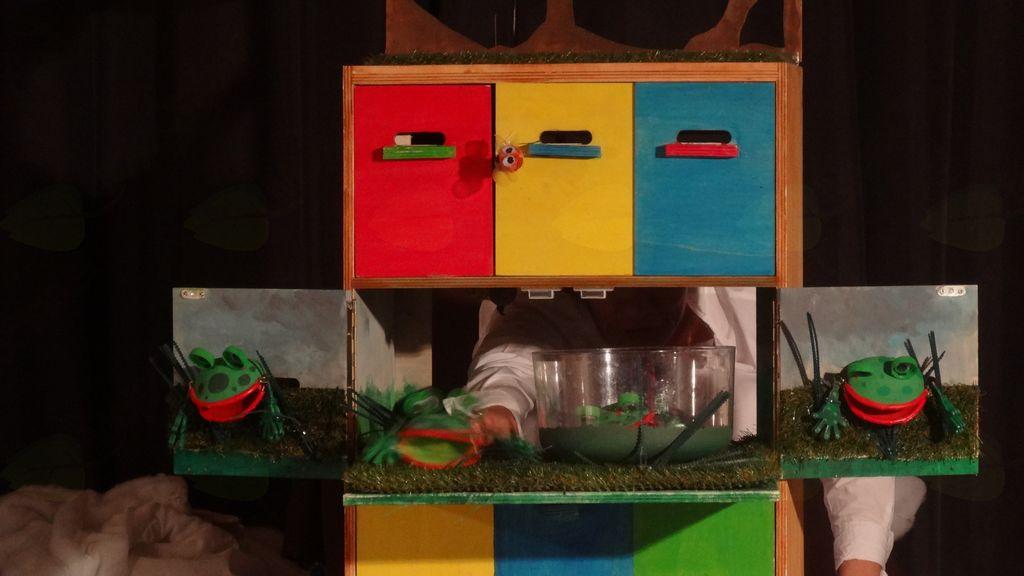 Pesmice so se skrile v čebelnjak, foto: Brane Tomšič