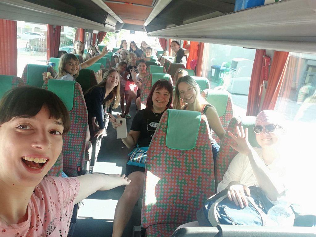 Vzdušje na avtobusu, foto Sanja Tomšič.