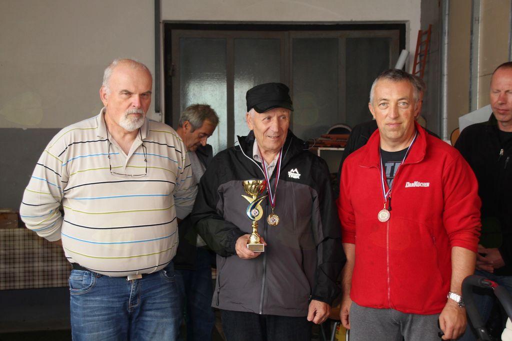 Ekipa Vojnika, ki je osvojila 3. mesto (z leve Franc Lebič, Jože Jeram in Janez Pintar).