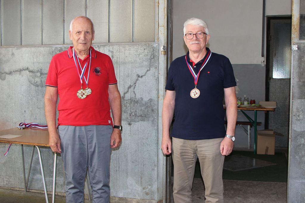 Jože Jeram (levo ) 1. mesto, Dušan Ravnikar 3. mesto nad 60 let