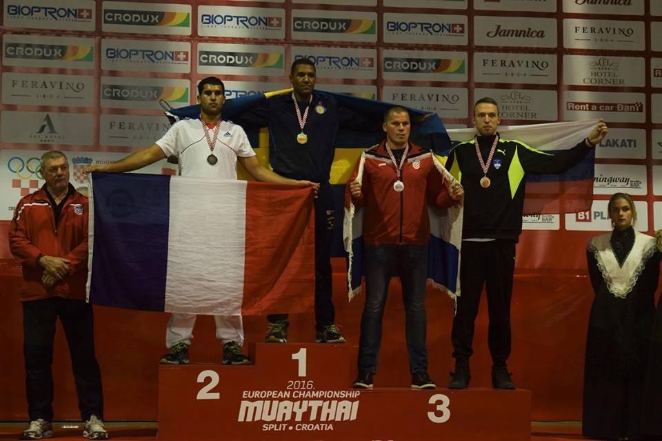 Bronasti Eršte na evropskem tekmovanju v tajskem boksu