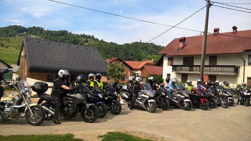 Motoristi društva MzM obiskali Pavčkov dom