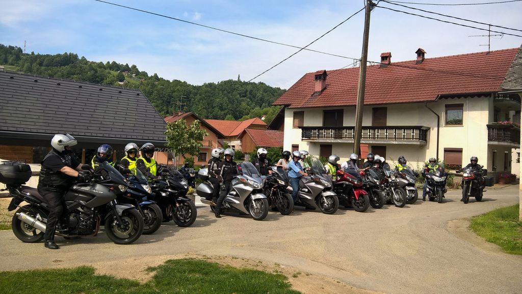 Mzm-Društvo motoristi za motoriste na obisku v Pavčkovem domu. Foto: Ljudmila Bajc